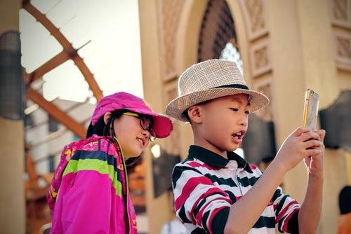 Niños y tecnología ¿protegerlos o liberarlos?